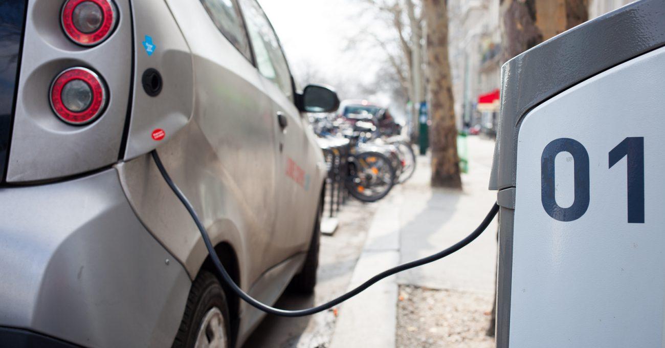 カーボンニュートラルな国へ:電気自動車の可能性