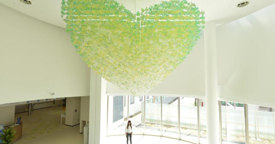 yukosan4 耳原総合病院(大阪)の入り口にある有子さんのホスピタルアート